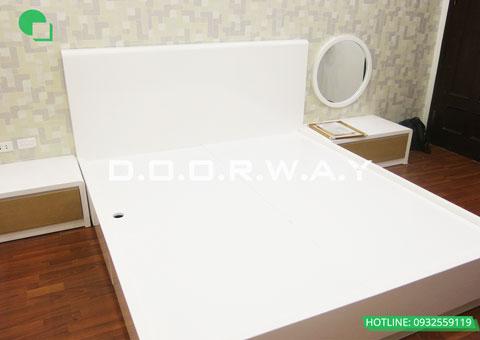 Thi công nội thất phòng ngủ chung cư Mễ Trì Hạ nhà anh Kiên by kiến trúc Doorway giường ngủ góc 03