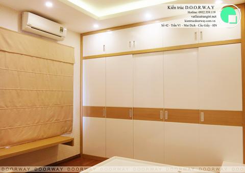 Thi công nội thất phòng ngủ chung cư Mễ Trì Hạ nhà anh Kiên by kiến trúc Doorway tủ áo góc 02