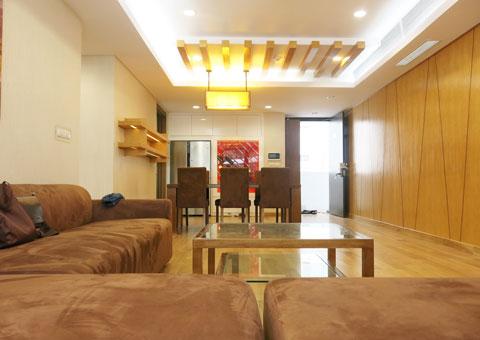 Thi công nội thất phòng khách nối liền phòng ăn 50m2 Mr Tĩnh chung cư Dolphin Plaza by kiến trúc Doorway, góc 04
