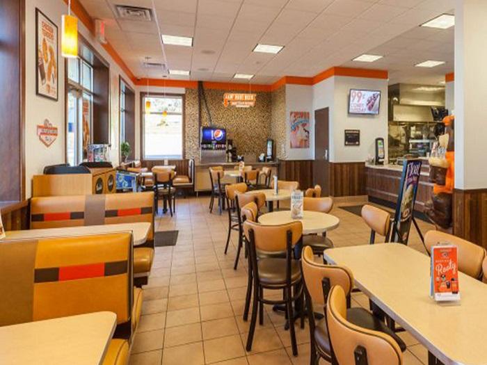 1- Xu hướng thiết kế nhà hàng ăn nhanh hiện đại thu hút khách hàng