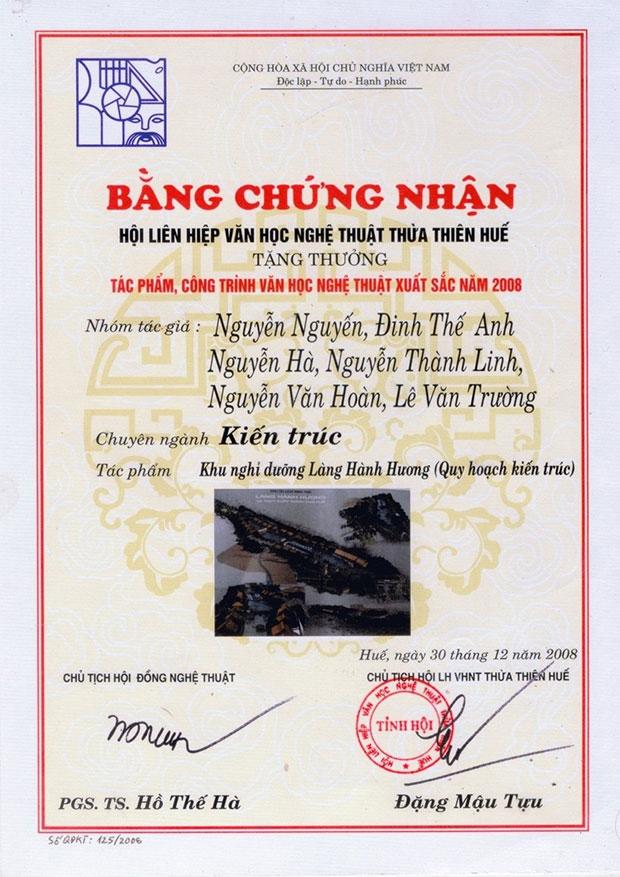 Bằng chứng nhận từ Hội liên hiệp văn học nghệ thuật Thừa Thiên Huế